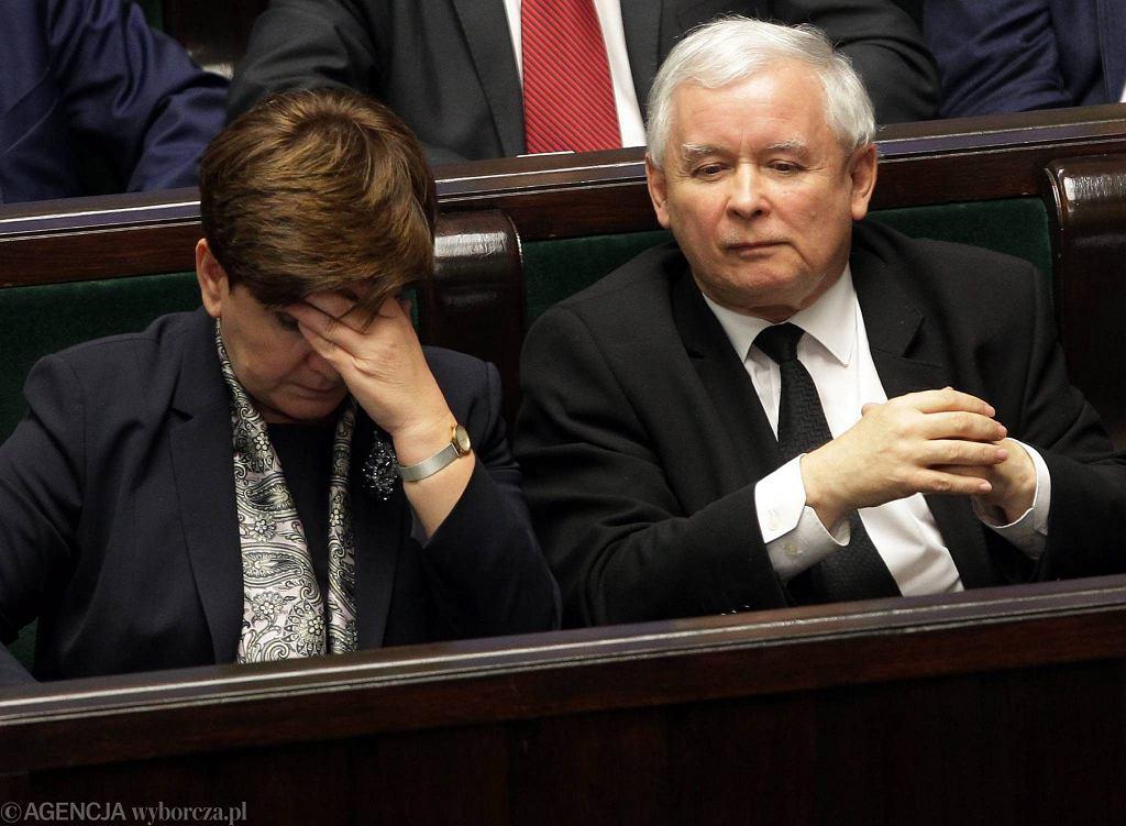Premier Beata Szydło i prezes PiS Jarosław Kaczyński w Sejmie 22 grudnia 2015 r.