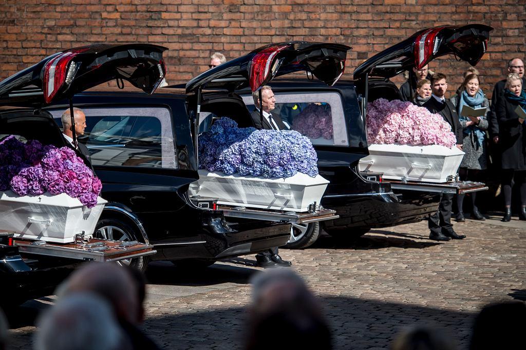 Dania. Pogrzeb trojga dzieci Andersa i Anne Povlsenów, które zginęły podczas ataków terrorystycznych na Sri Lance