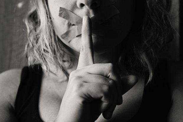 Przemoc seksualna wobec dzieci to nie tylko akt seksualny. Czy można rozpoznać, że dziecko jest ofiarą?