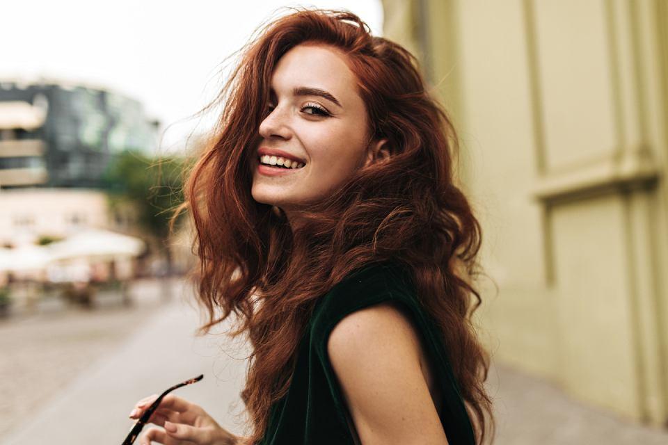jak wzmocnić włosy i rzęsy