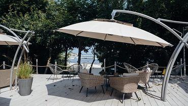 Ogródek przy restauracji Belona w centrum Gdyni (zdjęcie ilustracyjne)
