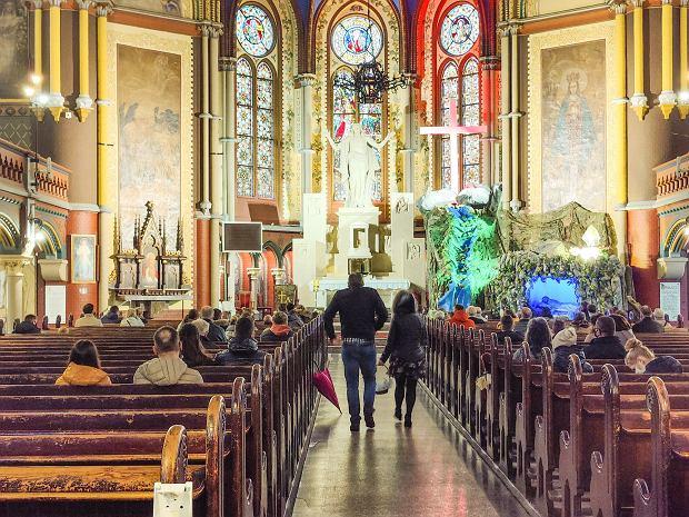 Zdjęcie numer 17 w galerii - Święconka w dobie pandemii. Jak wyglądała w toruńskich kościołach?
