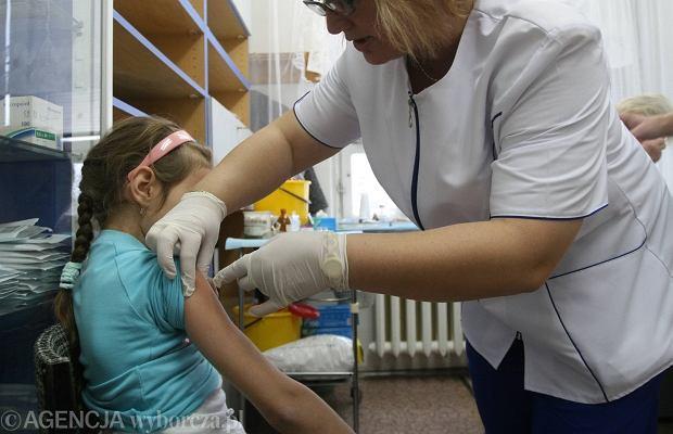 Szczepienie przeciwko grypie.