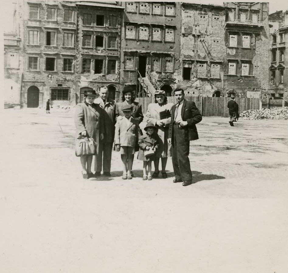 Na zdjęciu: rodzina pani Antoniny Zbyszewskiej-Mildner