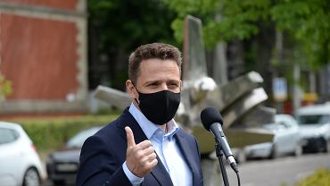 Rafał Trzaskowski zarzuca Ministerstwu Rodziny, Pracy i Polityki Społecznej manipulację danymi