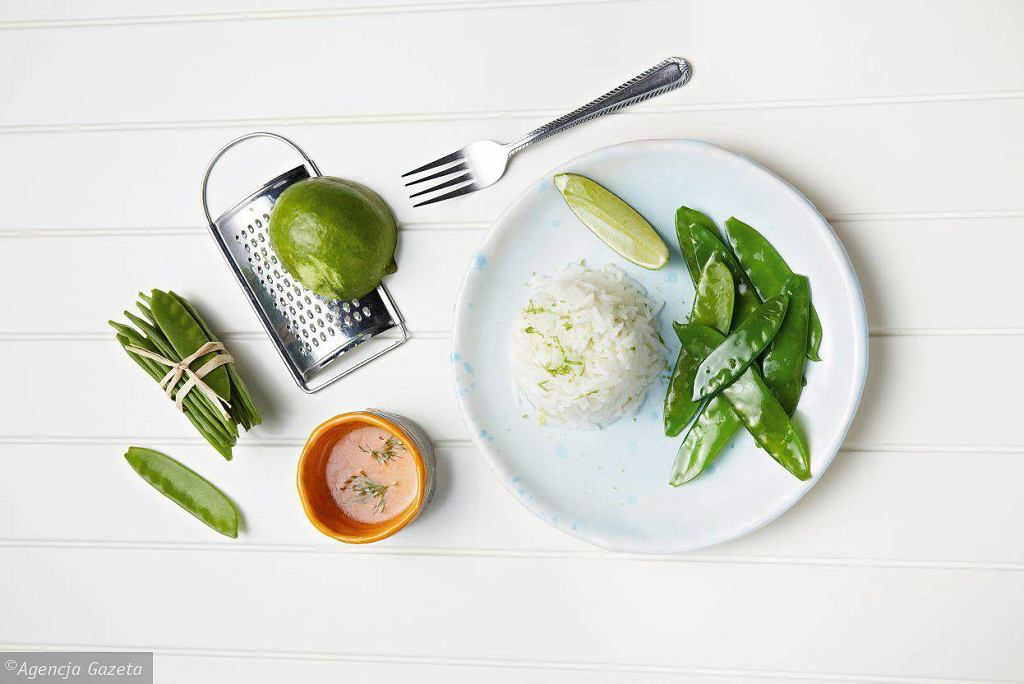 Limonkowy ryż basmati z groszkiem cukrowym