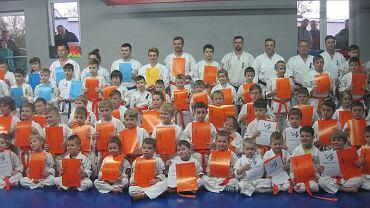 Dragon Fight Club Radom. Rozdanie certyfikatów na wyższe stopnie karate kyokushin