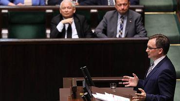 Minister sprawiedliwości i prokurator generalny w rządzie PiS Zbigniew Ziobro przemawia podczas debaty nad PiS-owską ustawą o KRS. Warszawa, Sejm 12 lipca 2017