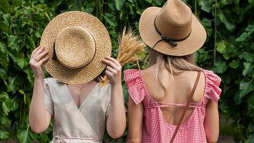 kapelusz na lato, zdjęcie ilustracyjne