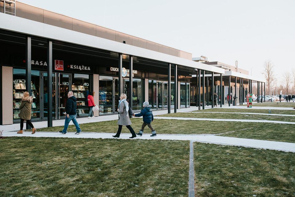 1f0fa207b1ee61 Nowe centrum handlowe w Wilanowie już działa. Szwedzkie burgery i  miniaturka sklepu sportowego