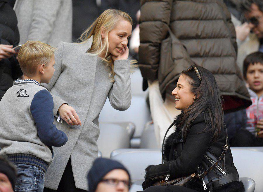 Zdjęcie numer 5 w galerii - Bundesliga. Anna i Robert Lewandowscy zachwycają podczas imprezy świątecznej Bayernu Monachium! [ZDJĘCIA]
