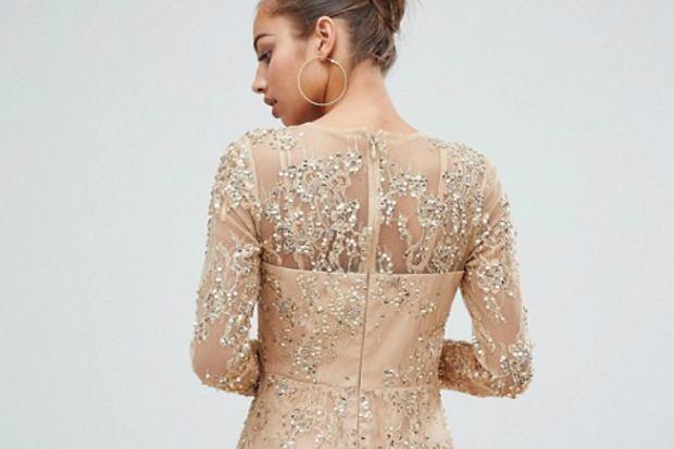 Zdjęcie numer 2 w galerii - Cekiny, brokat, złota nitka, aksamit - najmodniejsze sukienki na święta i karnawał