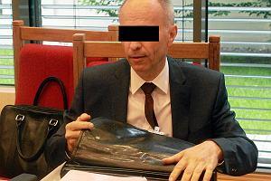 Dopuszczenie do szkody o wartości 1,5 miliarda złotych. Andrzej J., były szef KNF, usłyszał zarzuty