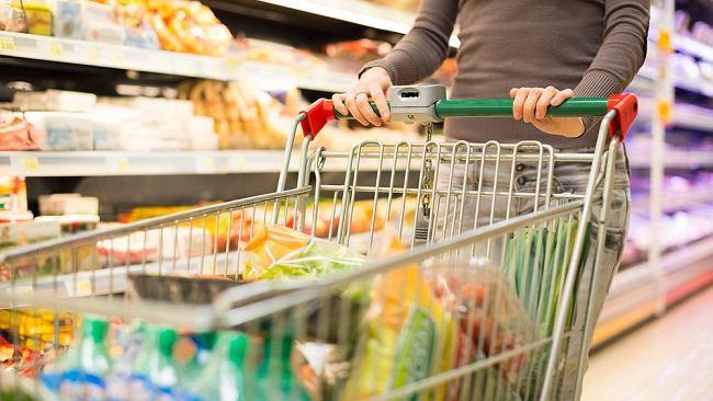 Gdzie na zakupy w długi weekend? Czy sklepy będą otwarte 11 listopada? Czy 10 listopada to niedziela handlowa?