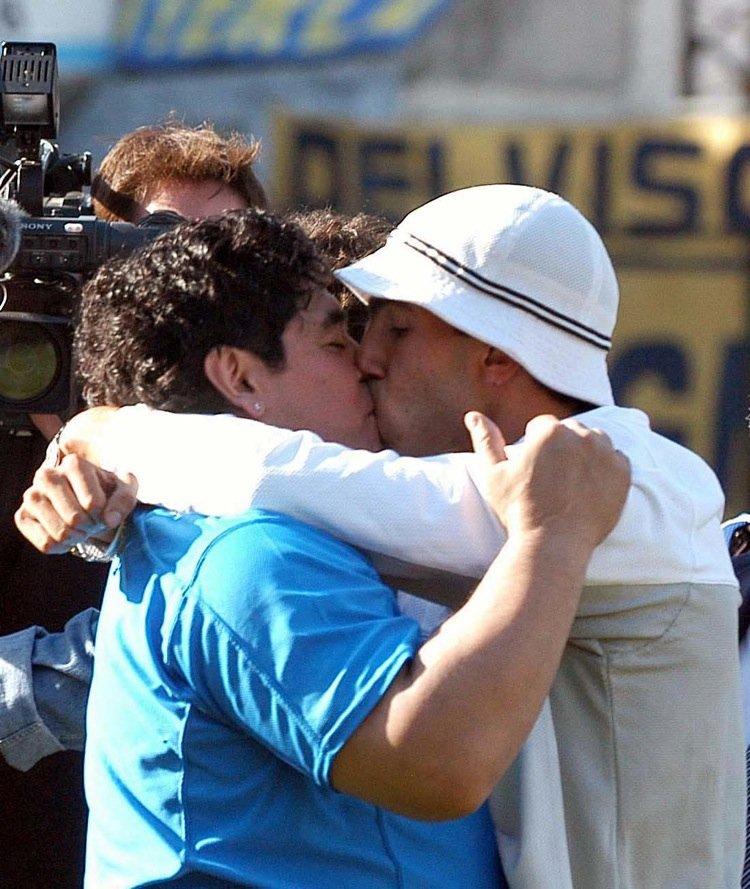 https://bi.im-g.pl/im/5c/31/11/z18028380IH,Maradona-i-Tevez.jpg