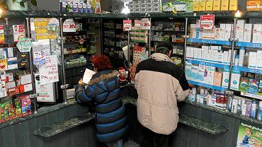 Polacy łykają leki garściami, te na receptę i te bez