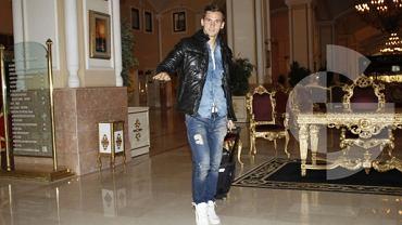 Paweł Olkowski opuszcza hotel w Turcji