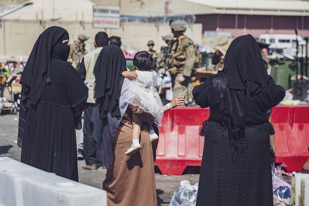 Afgańczycy na lotnisku w Kabulu, 28 sierpnia