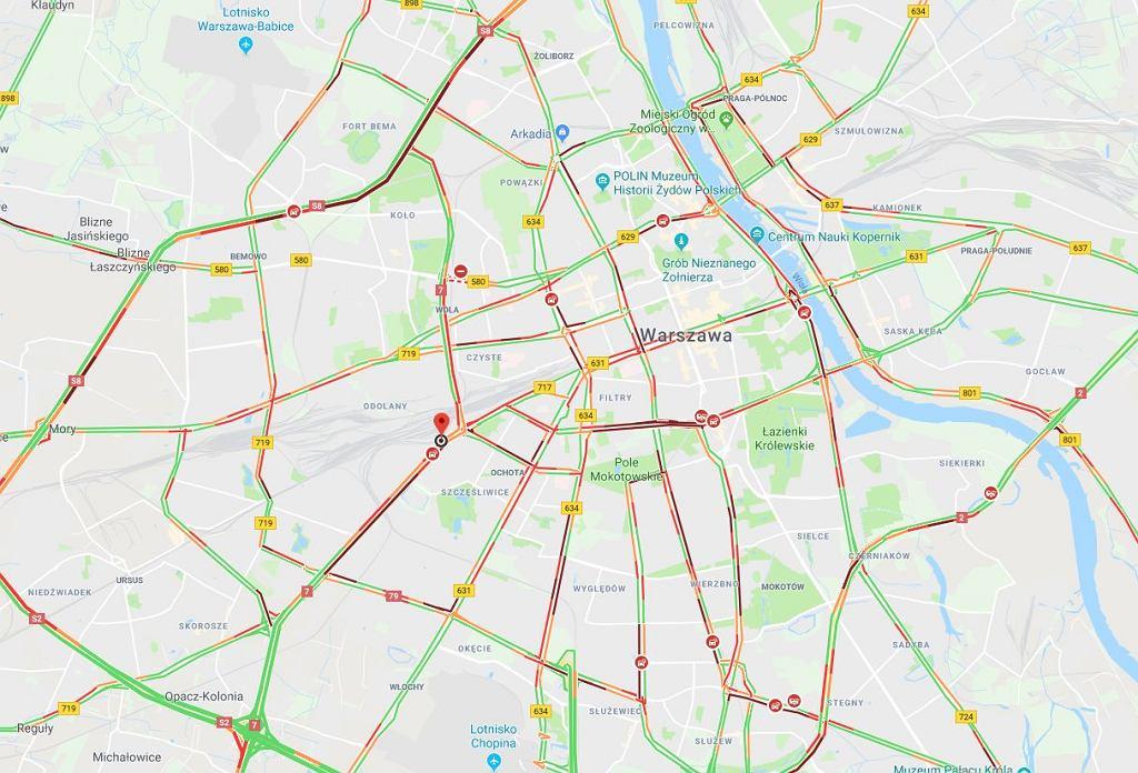 Natężenie ruchu w Warszawie w piątek o 16.28