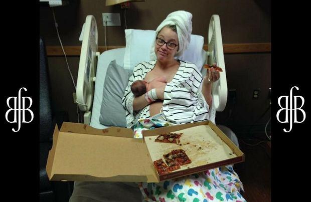 """Urodziła i zamówiła pizzę. Całą dla siebie! Internautki: """"Samo życie. Moją podjadała położna"""""""