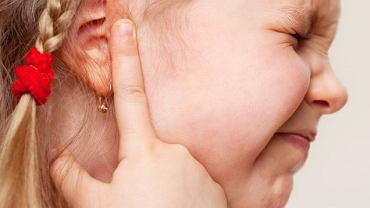 Bół ucha u dziecka