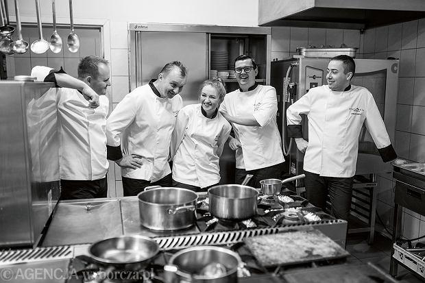 Zespół kucharzy restauracji Biała Róża w Krakowie
