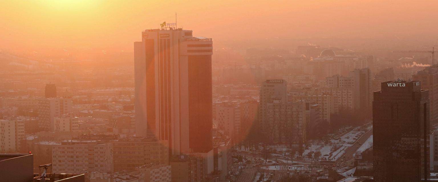 Warszawa w smogu (fot. Sławomir Kamiński/AG)