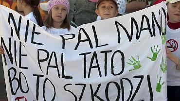 Antynikotynowy marsz przedszkolaków w Białymstoku w 2009 roku