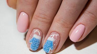 Zimowe paznokcie muszą być pomysłowe. Zdjęcie ilustracyjne