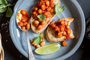 7 przepisów na sycące i szybkie do przygotowania zimowe potrawy z fasolą