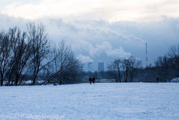Zdjęcie numer 0 w galerii - Zima w Krakowie - śnieg przykrył ulice, domy, parki [GALERIA]