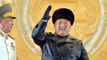 Korea Półocna. Kim Dzong Un w czasie parady wojskowej na koniec zjazdu partii.