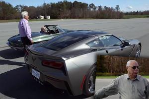 Joe Biden ścigał się z Colinem Powellem na lotnisku. Obaj za kierownicami Chevroletów Corvette [WIDEO]