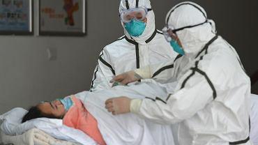 Koronawirus 2019-nCoV. Narodowa Komisja Zdrowia Chin podała nowe informacje (zdjęcie ilustracyjne)