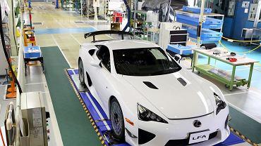Lexus LFA nr 500 - ostatnia sztuka wyjechała z fabryki 14 grudnia 2012 roku