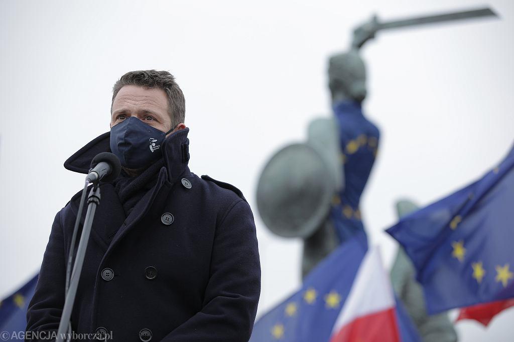 Konferencja prasowa prezydenta m.st. Warszawy Rafala Trzaskowskiego ws protestu samorzadw przeciwko blokowaniu budzetu unijnego przez rzady Polski i Wegier