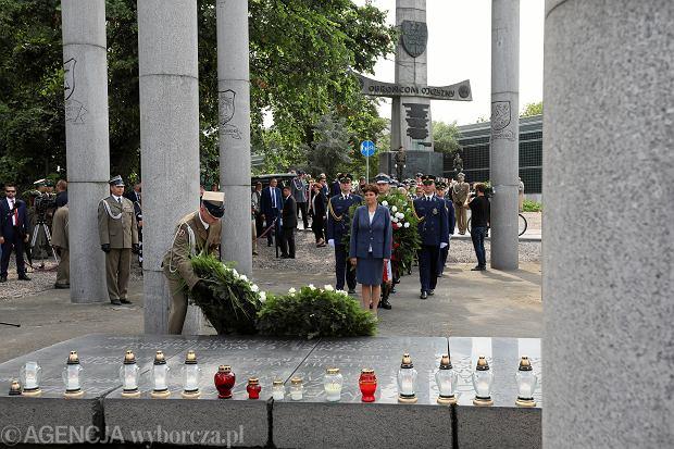 75. rocznica zbrodni wołyńskiej. W czasie obchodów w Warszawie złożono wieńce na Grobie Nieznanego Żołnierza