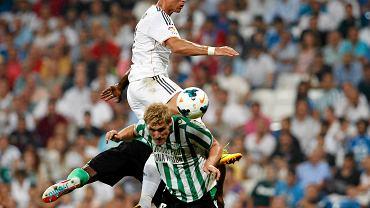 Damien Perquis w walce z Cristiano Ronaldo