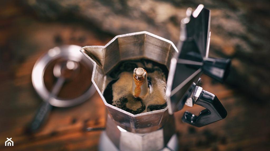 Kawa parzona w kawiarce