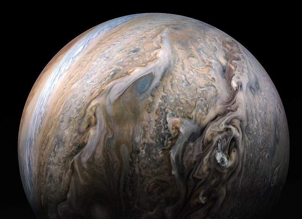 Jowisz w obiektywie Sondy Juno