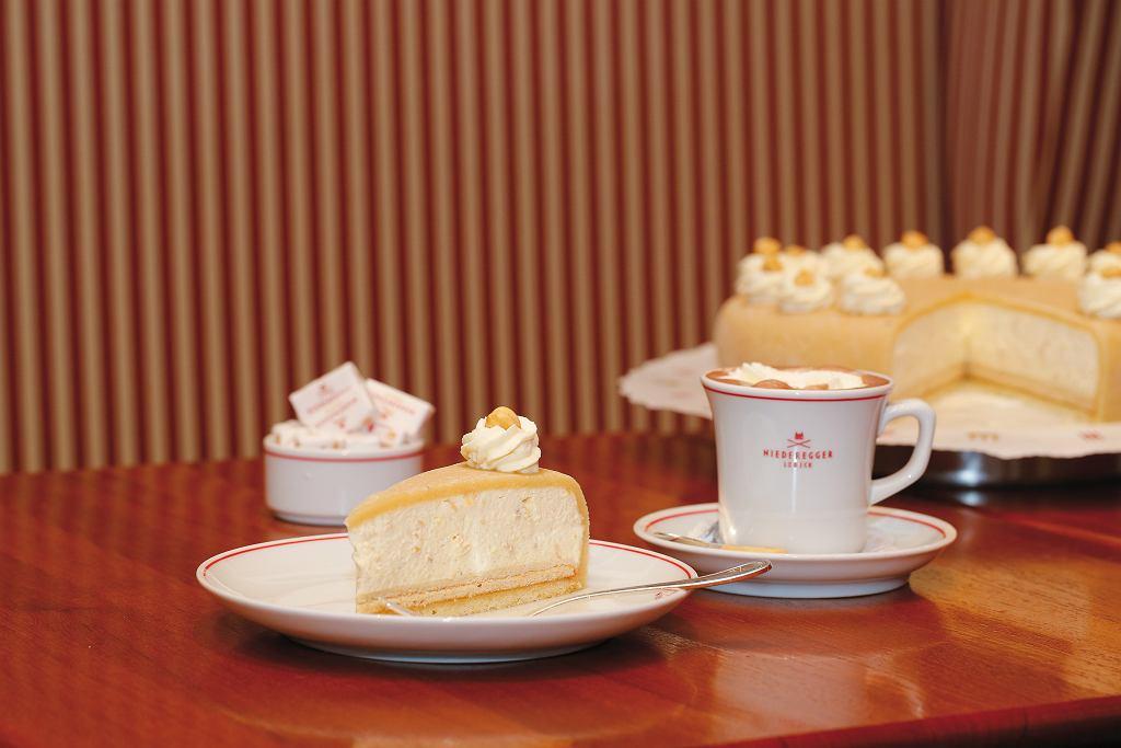 Tort ze słynnej kawiarni Niederegger w Lubece