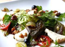 Sałatka z winogronami i serem Taleggio - ugotuj