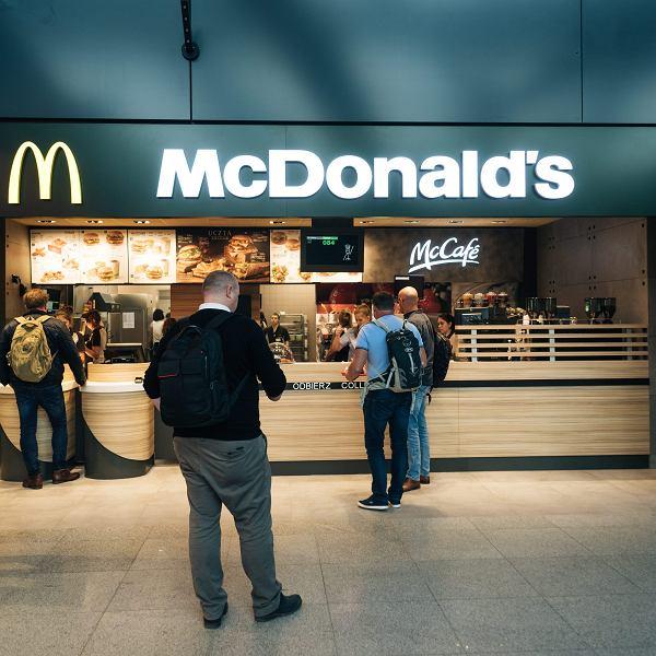 McDonalds na lotnisku w Gdansku