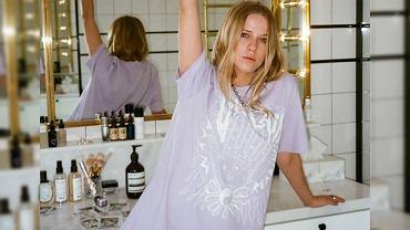 Jessica Mercedes w koszulce VECLAIM