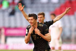 """Robert Lewandowski pobił też inny rekord Bundesligi. """"Pierwszy w historii"""""""
