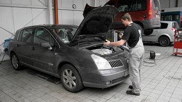 Przedłużona gwarancja na samochód - czy nie stracisz gwarancji przez to, że nie mogłeś odwiedzić serwisu?