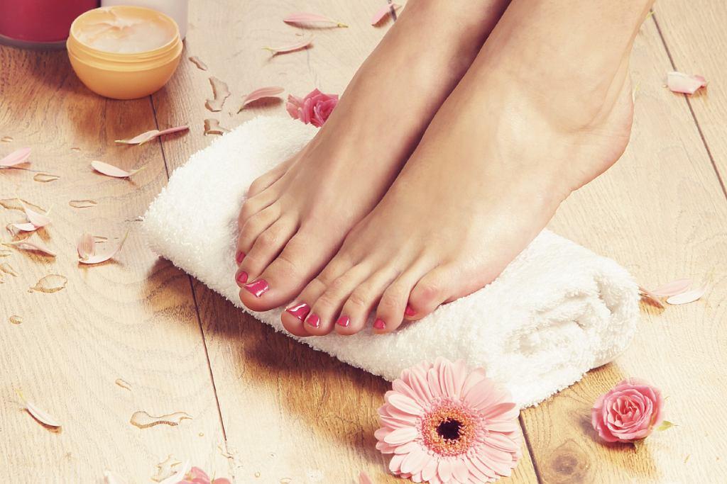Modne kolory paznokci u nóg
