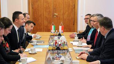 Rozmowy ministra Andrzeja Adamczyka z ministrem Peterem Szijjarto