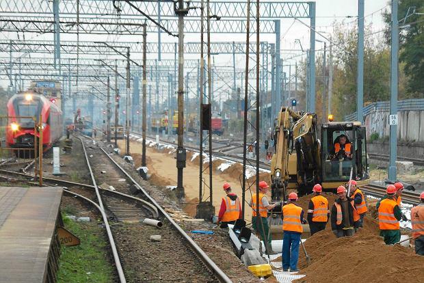 """Zapóźnione inwestycje kolejowe. """"Nie ma szans, by wydać te pieniądze"""""""