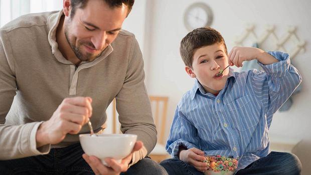 Ciepłe śniadanie przed wyjściem do przedszkola i szkoły. Dlaczego jest tak potrzebne?